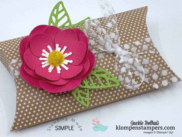 Paper-Flowers-Made-Easy-by-Jackie-Bolhuis